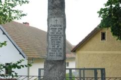 Šumavské Hoštice  -  památník